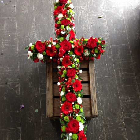 Red Rose Loose Cross